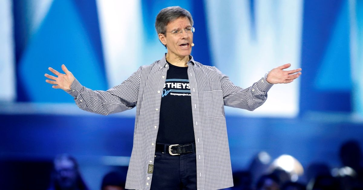 Allstate seeks more agents, but not as 'human modems'